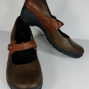brown mocha heeled Mary Janes shoes ladies 9.5